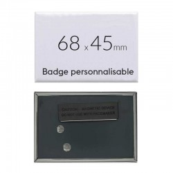 Badge personnalisé rectangulaire de 68x45mm (3 aimants)